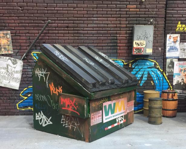 Upful Creations 118scale Dumpster 03 - Surveillance Port