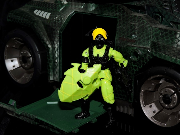 2018 Black Major Toys Python Alley Viper - Surveillance Port (19)