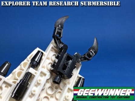 Geewunner Captured Prey Explorer Team Research Submersible - Surveillance Port 05