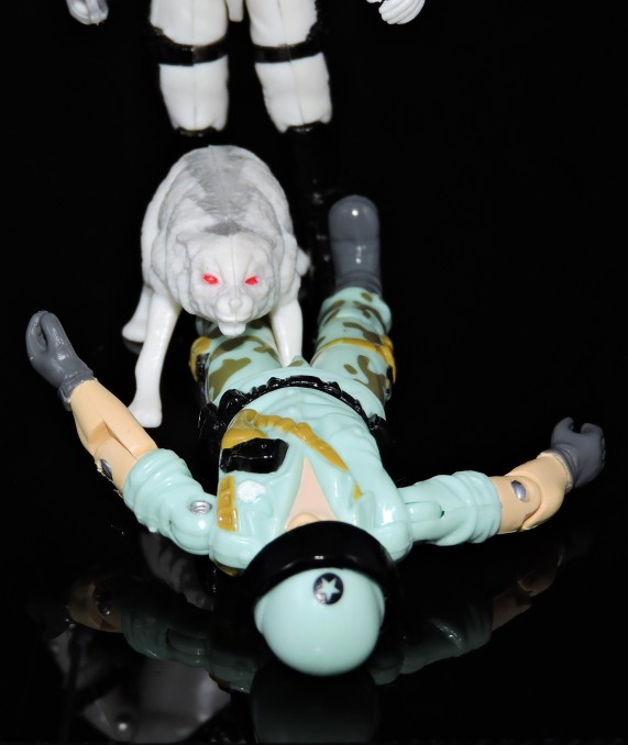 2019 Black Major Toys White Cobra Mortal - Surveillance Port (37)
