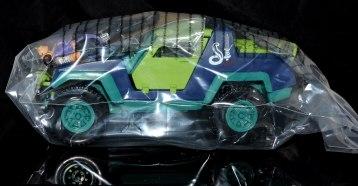 GI Joe Collectors Club Dreadnok Stinger 4x4 with Heartwrencher - Cobra Island (01)