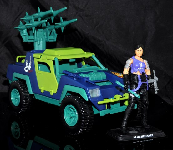 GI Joe Collectors Club Dreadnok Stinger 4x4 with Heartwrencher - Cobra Island (03)