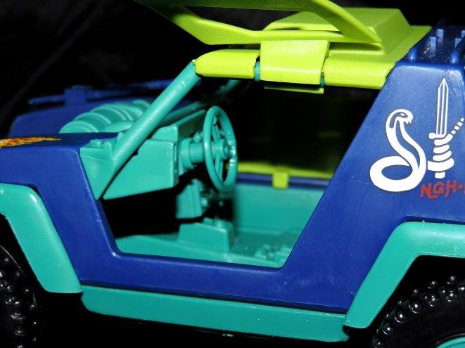 GI Joe Collectors Club Dreadnok Stinger 4x4 with Heartwrencher - Cobra Island (16)