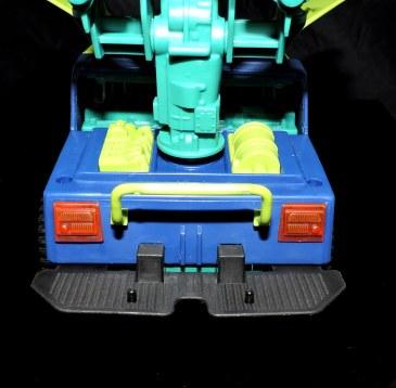GI Joe Collectors Club Dreadnok Stinger 4x4 with Heartwrencher - Cobra Island (19)