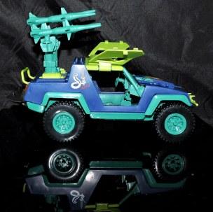 GI Joe Collectors Club Dreadnok Stinger 4x4 with Heartwrencher - Cobra Island (21)