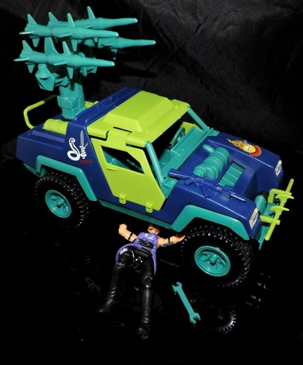 GI Joe Collectors Club Dreadnok Stinger 4x4 with Heartwrencher - Cobra Island (42)