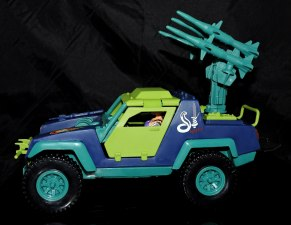 GI Joe Collectors Club Dreadnok Stinger 4x4 with Heartwrencher - Cobra Island (44)