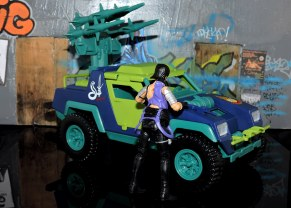 GI Joe Collectors Club Dreadnok Stinger 4x4 with Heartwrencher - Cobra Island (45)