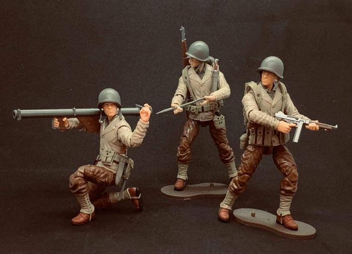 Marauder Gun Runners Marauder Task Force WWII US Army Bazooka Soldier, US Army Japanese American Soldier and US Army Thompson Gunner - Surveillance Port 01