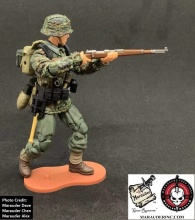 MTF WWII Kickstarter Exclusive Green Camo German Panzer Grenadier - Surveillance Port (3)