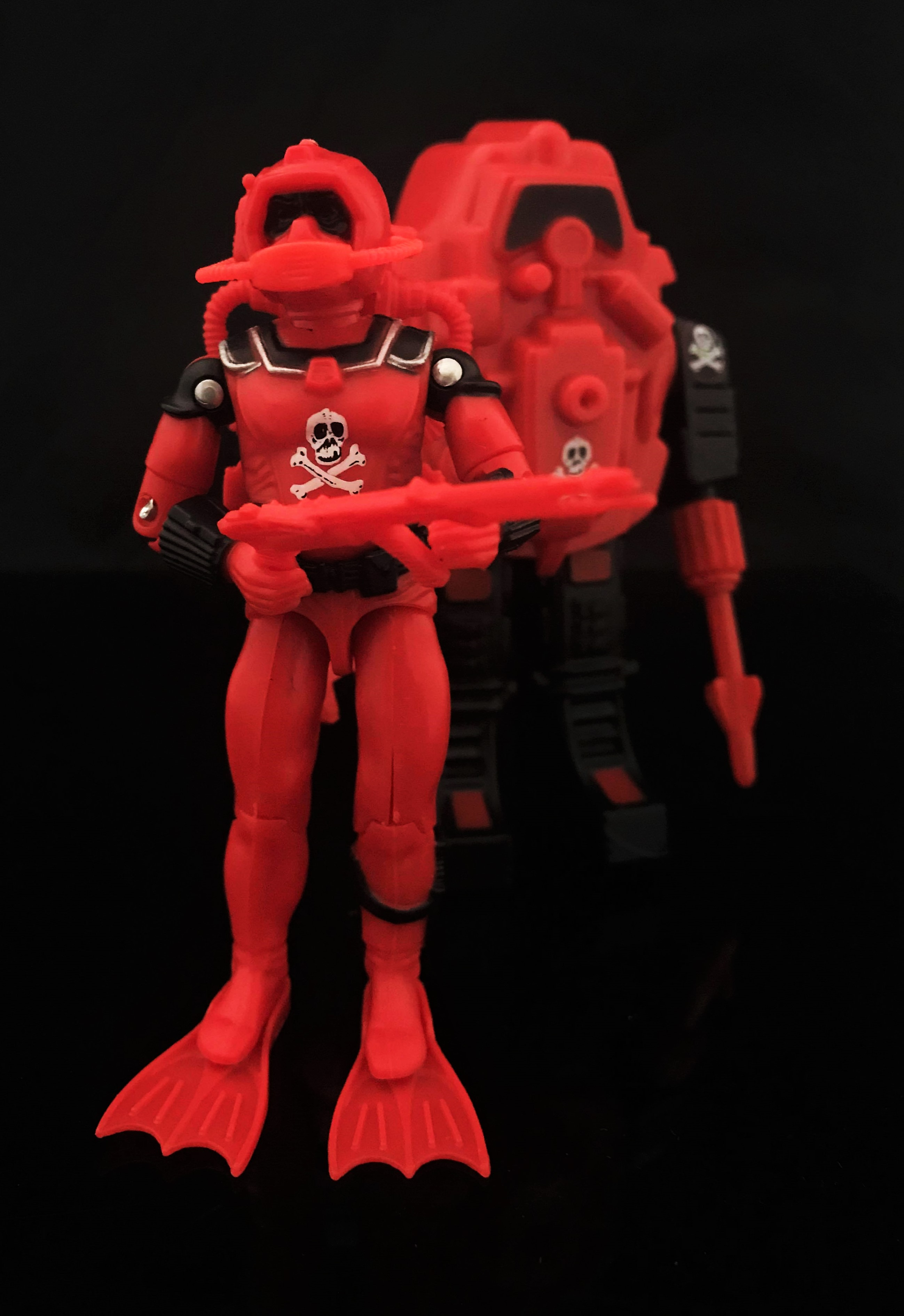 Black Major Red Shadows Eel and SNAKE Armor - Surveillance Port 01